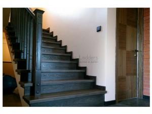 """Обшивка двух бетонных лестниц ясенем д.""""Прилуки"""""""